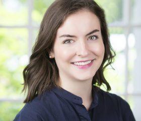Lindsay Wright Headshot